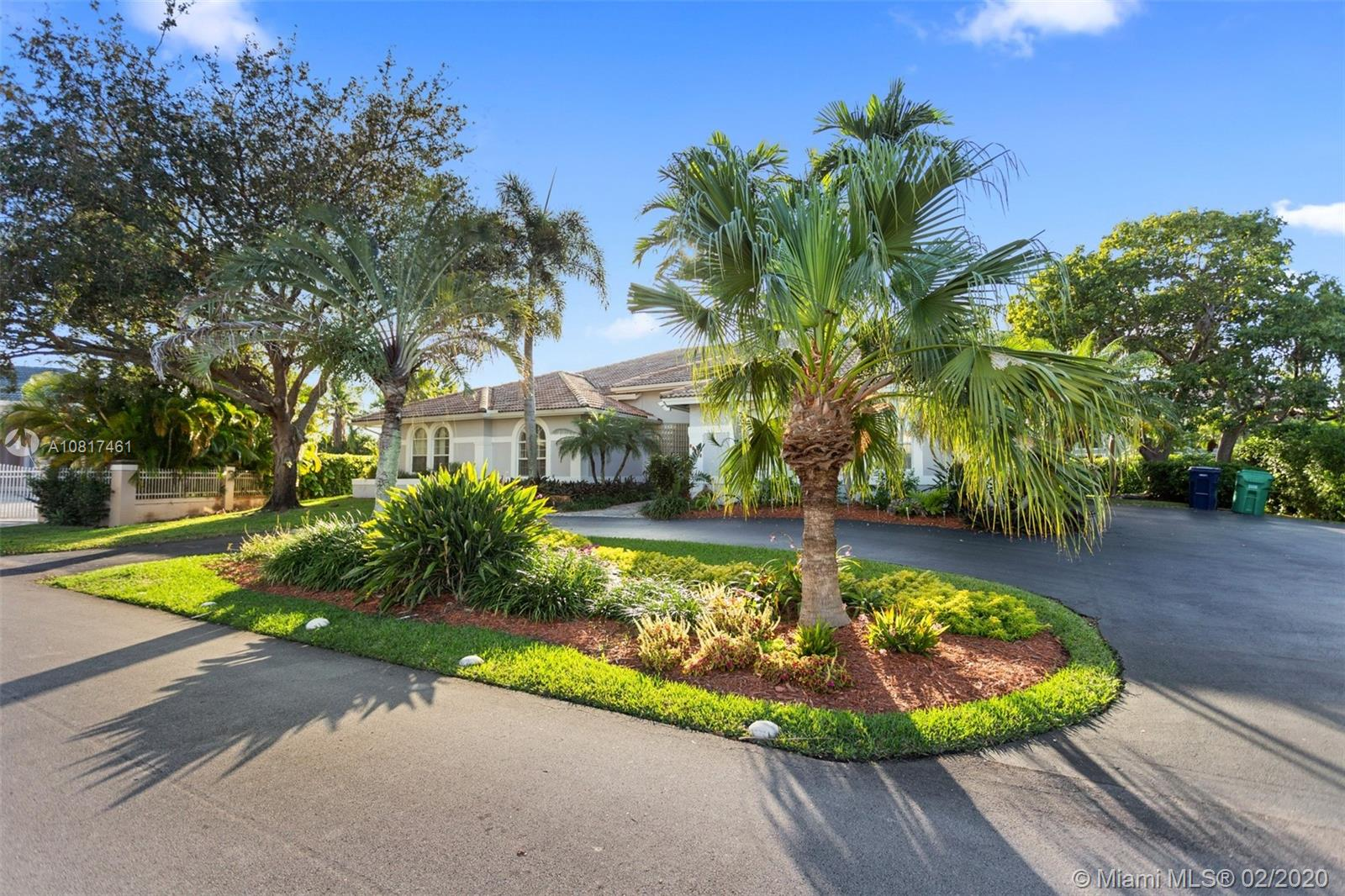 13820 SW 84th Ave  For Sale A10817461, FL
