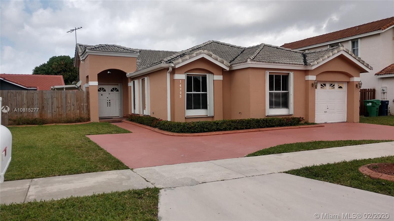 14223 SW 92nd St  For Sale A10815277, FL