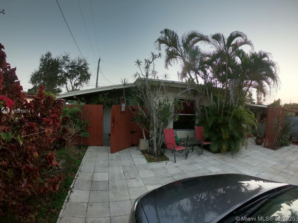 5610  Mckinley St #R For Sale A10818074, FL