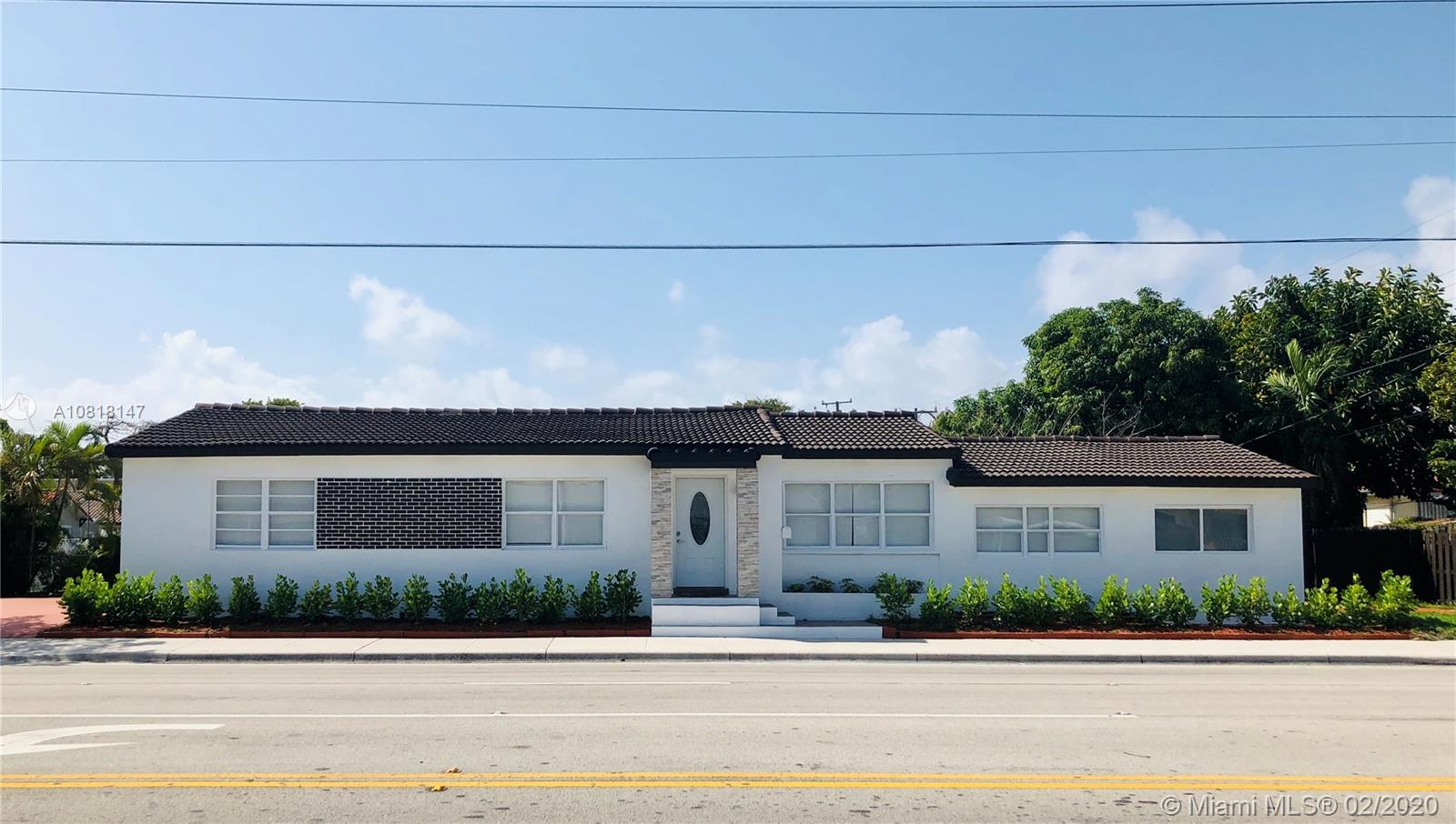 1320 SW 17th Ave  For Sale A10818147, FL