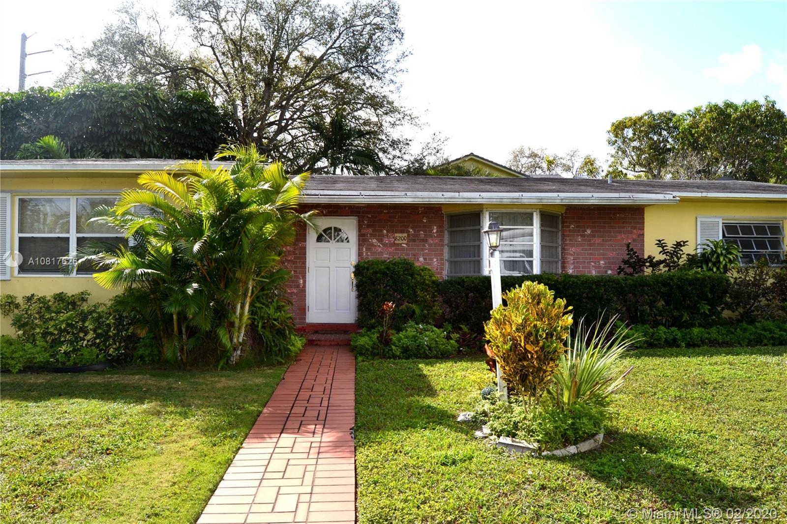 8200 SW 91st St  For Sale A10817626, FL