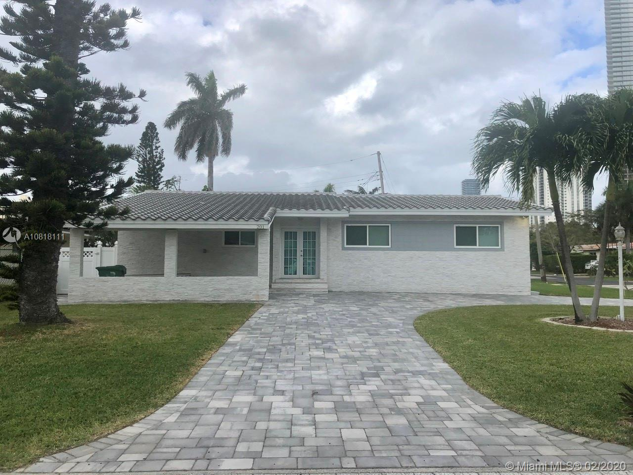 201  186th St  For Sale A10818111, FL