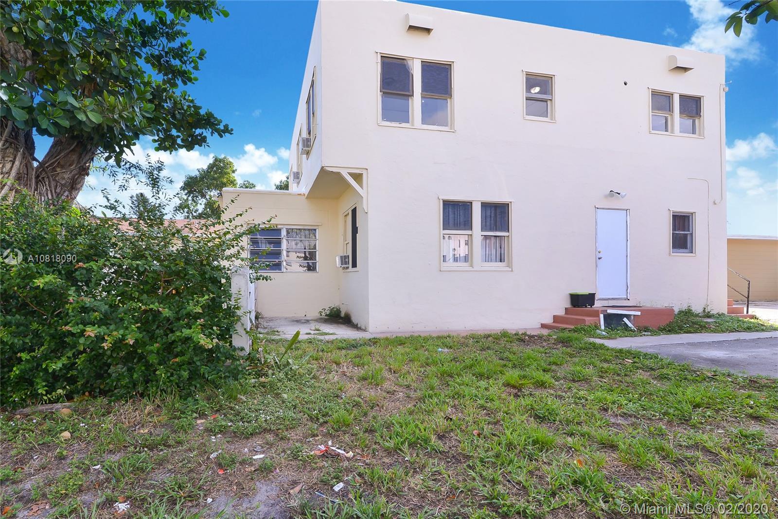 1944  Taylor St  For Sale A10818090, FL