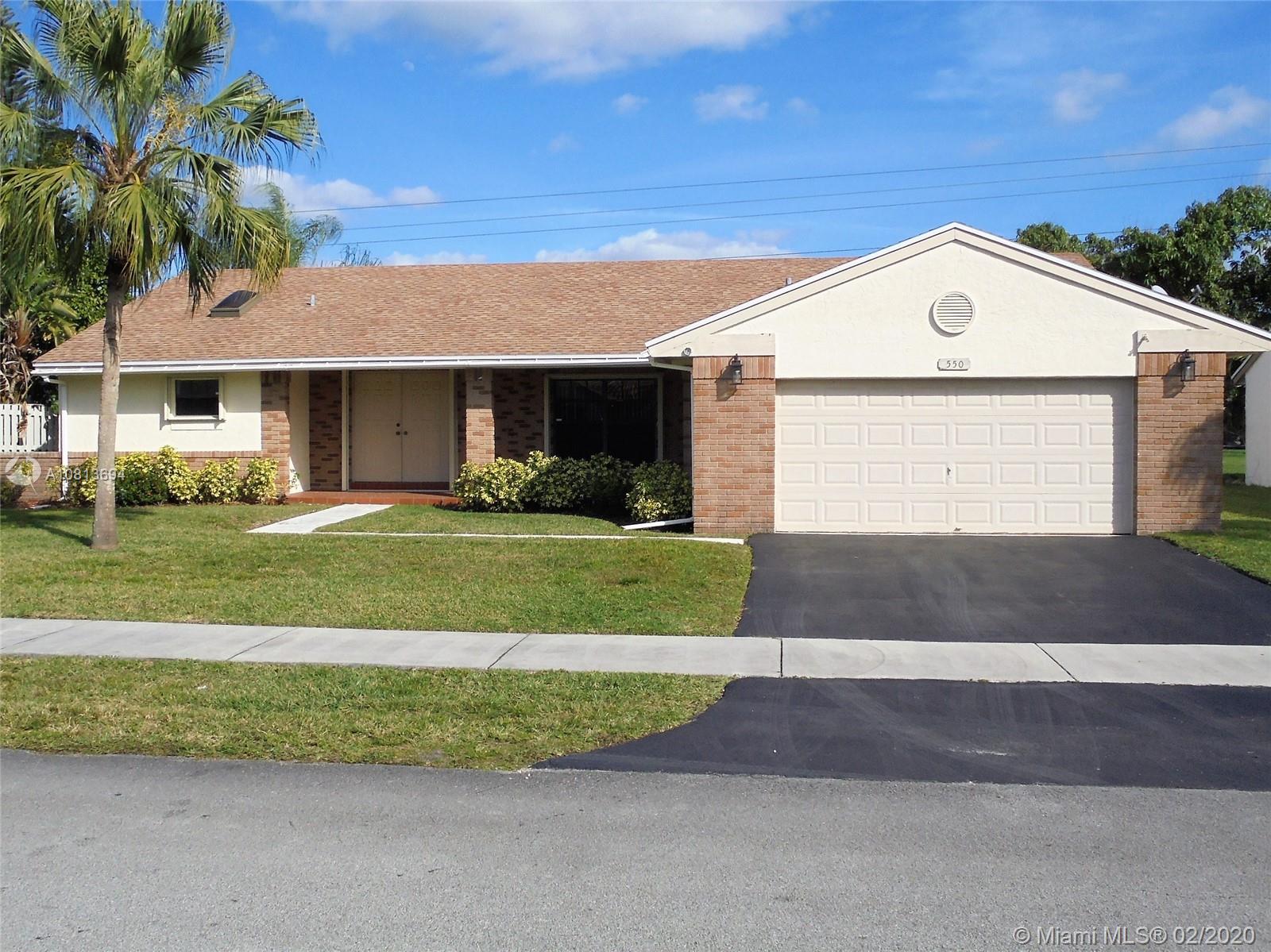 550  Fairfax Ave  For Sale A10813694, FL