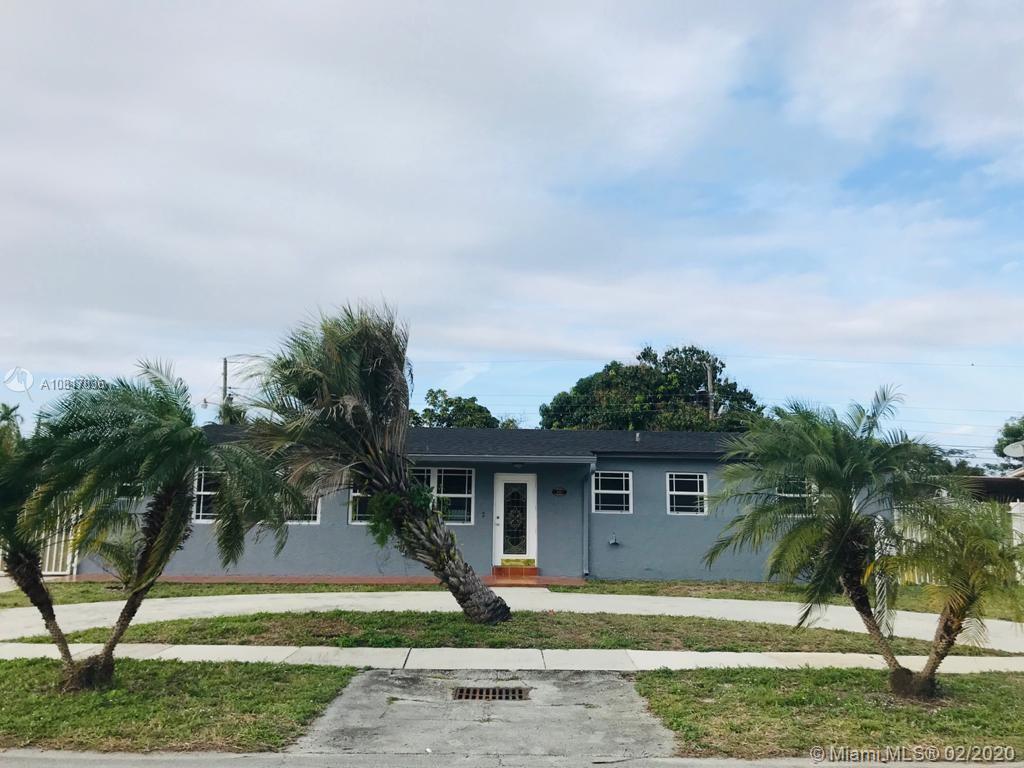 915 W 71st St, Hialeah FL 33014