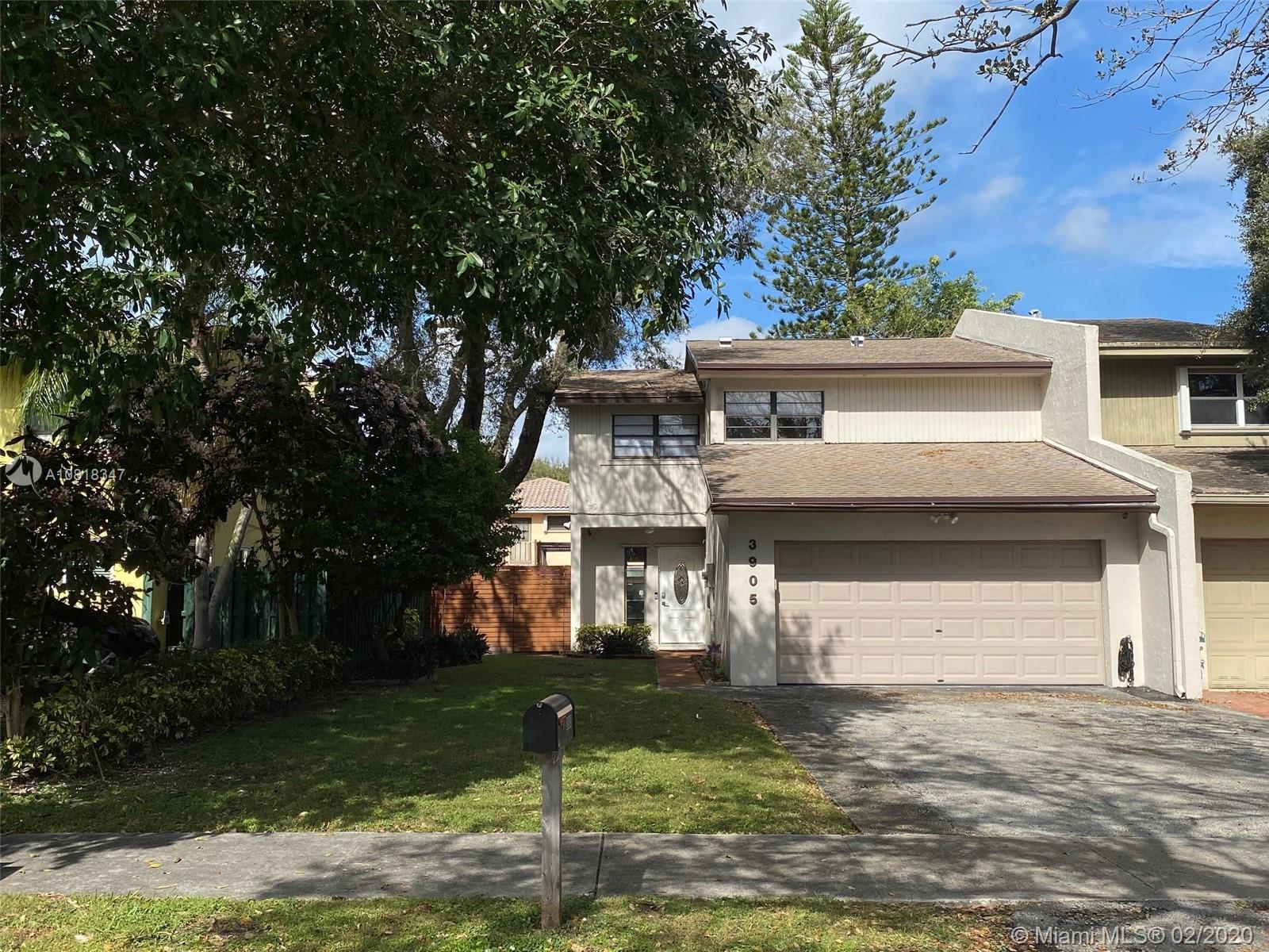 3905  Farragut St  For Sale A10818347, FL