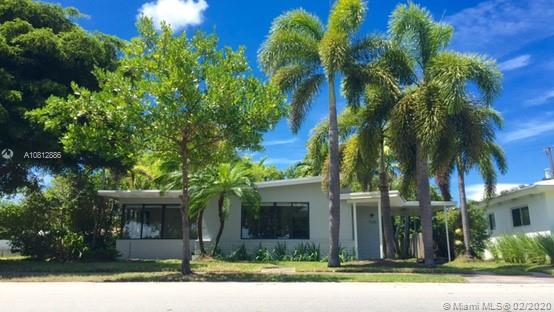 525  Fairway Dr  For Sale A10812886, FL