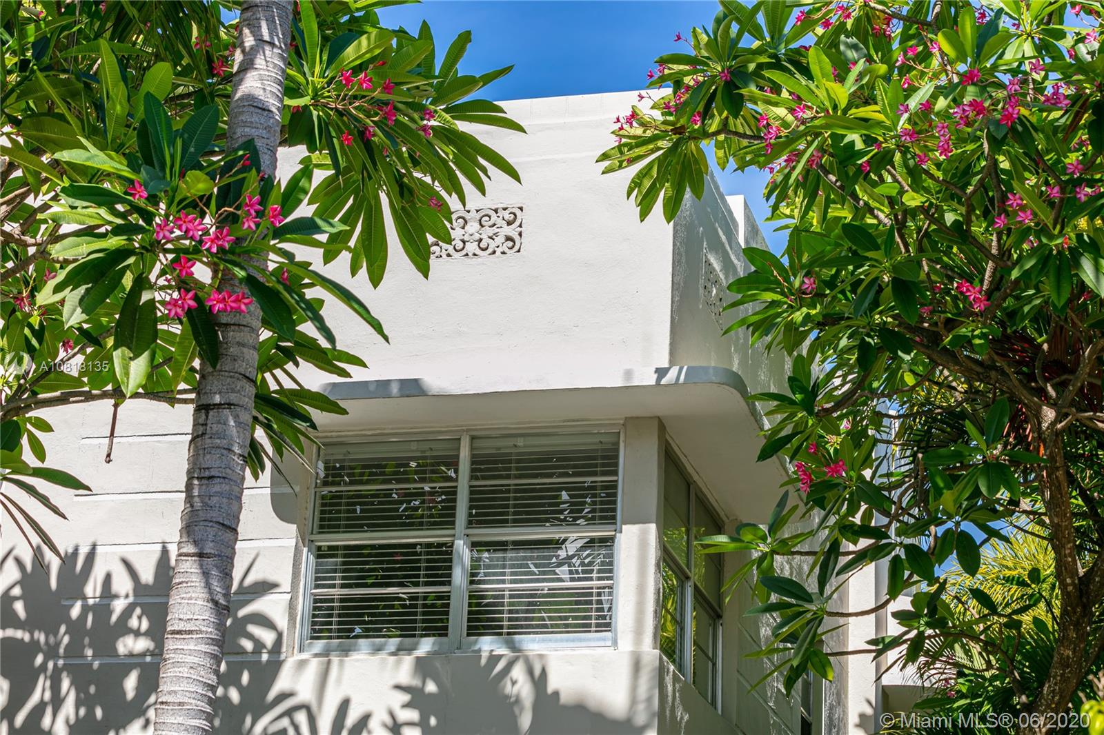 1551  Meridian Ave #102 For Sale A10818135, FL