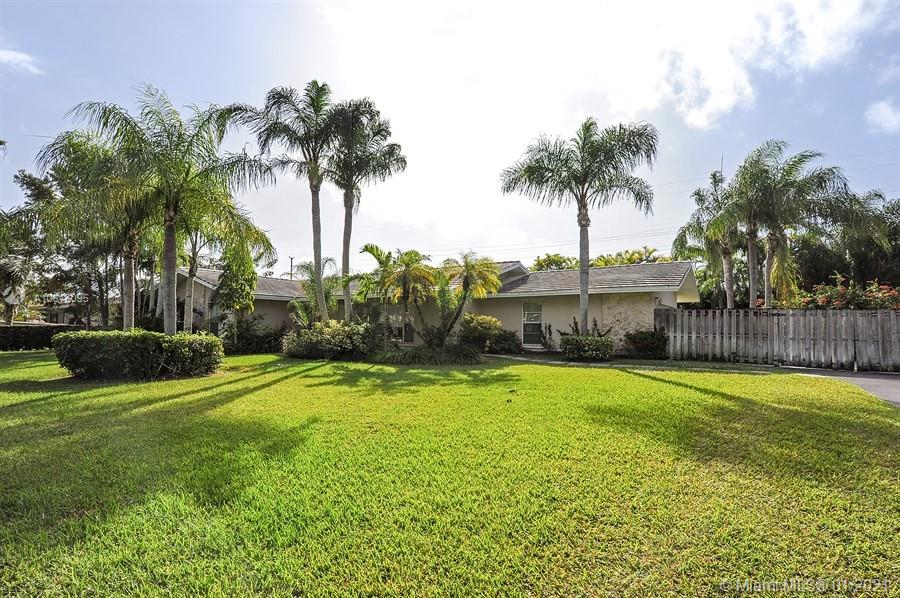 7740 SW 139th Ter  For Sale A10818095, FL