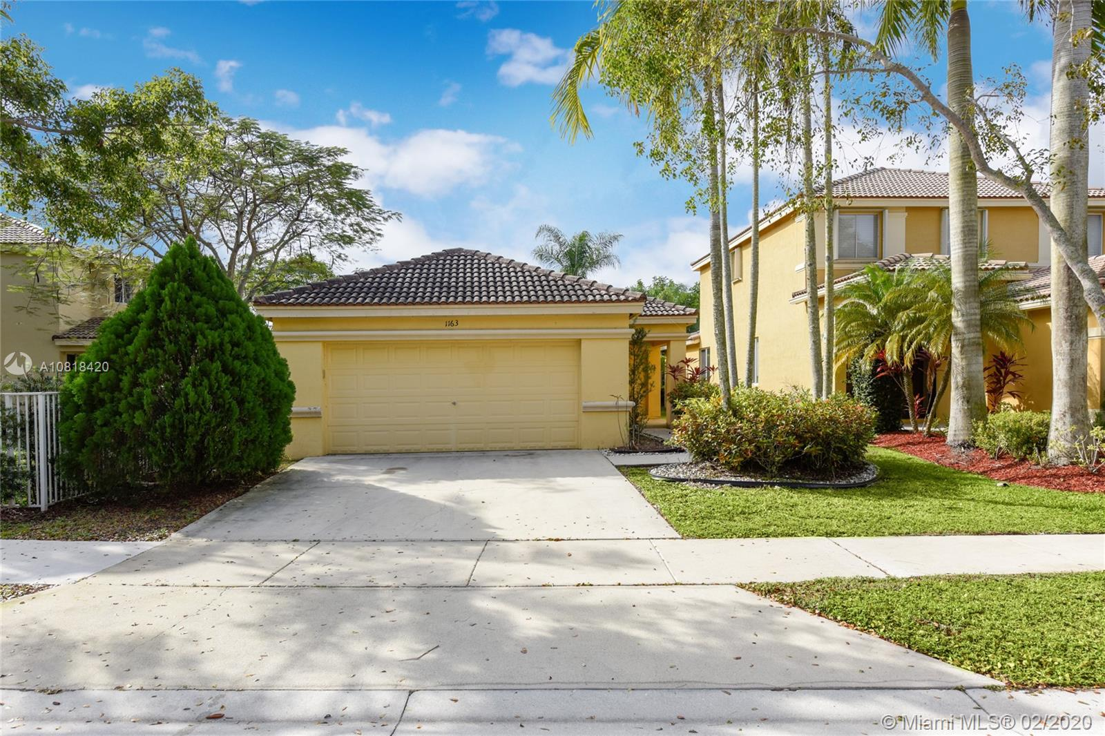1163  Golden Cane Dr  For Sale A10818420, FL