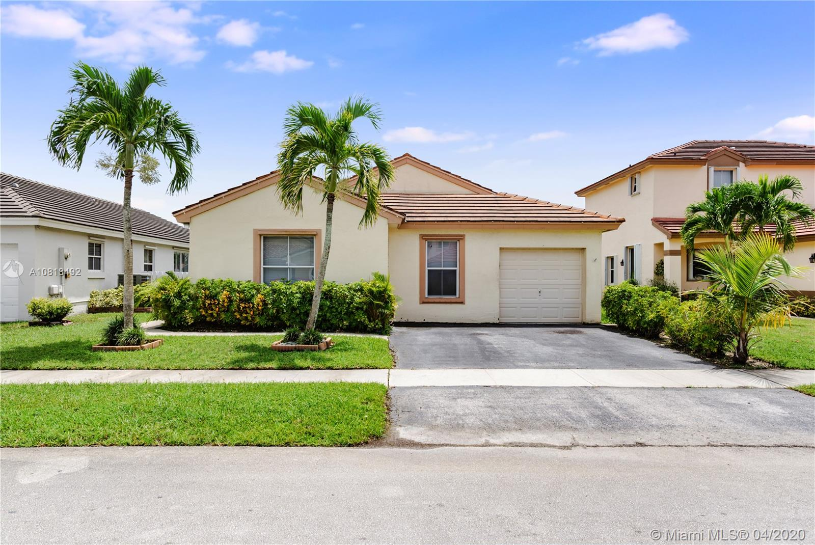 18536 NW 22nd St  For Sale A10818492, FL