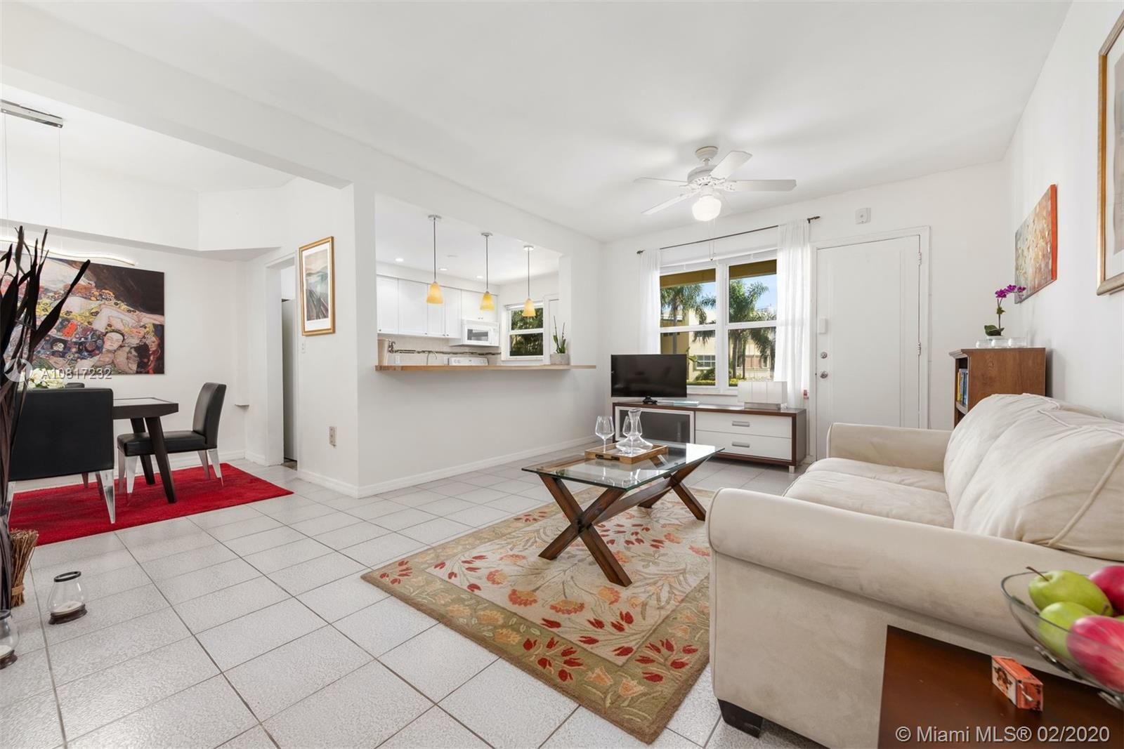 910  Bay Dr #11 For Sale A10817232, FL