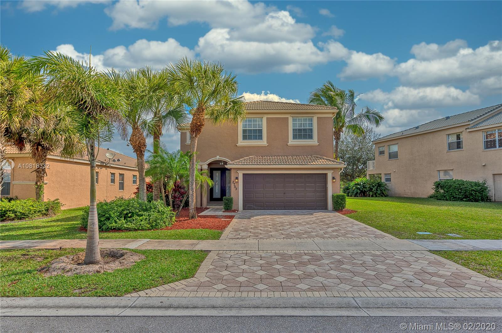 2753 Misty Oaks Cir, Royal Palm Beach, FL 33411