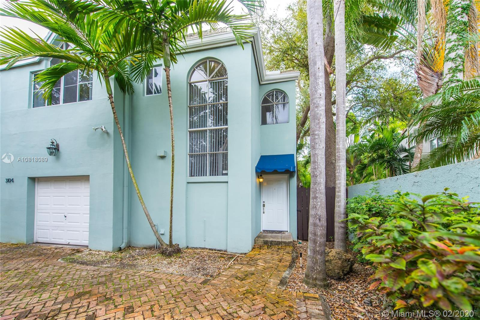 3104  Shipping Ave #D For Sale A10818089, FL