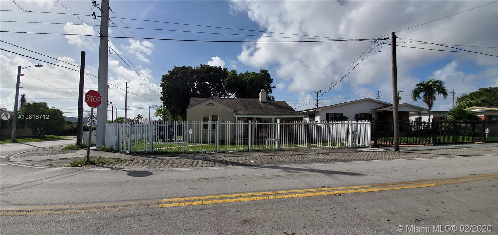 1102 NW 37th St  For Sale A10818712, FL