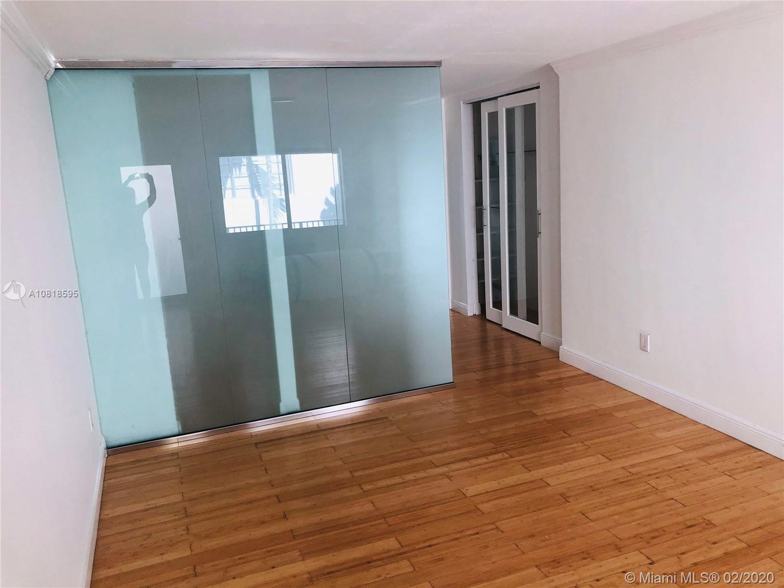 1035  Meridian Ave #10 For Sale A10818595, FL