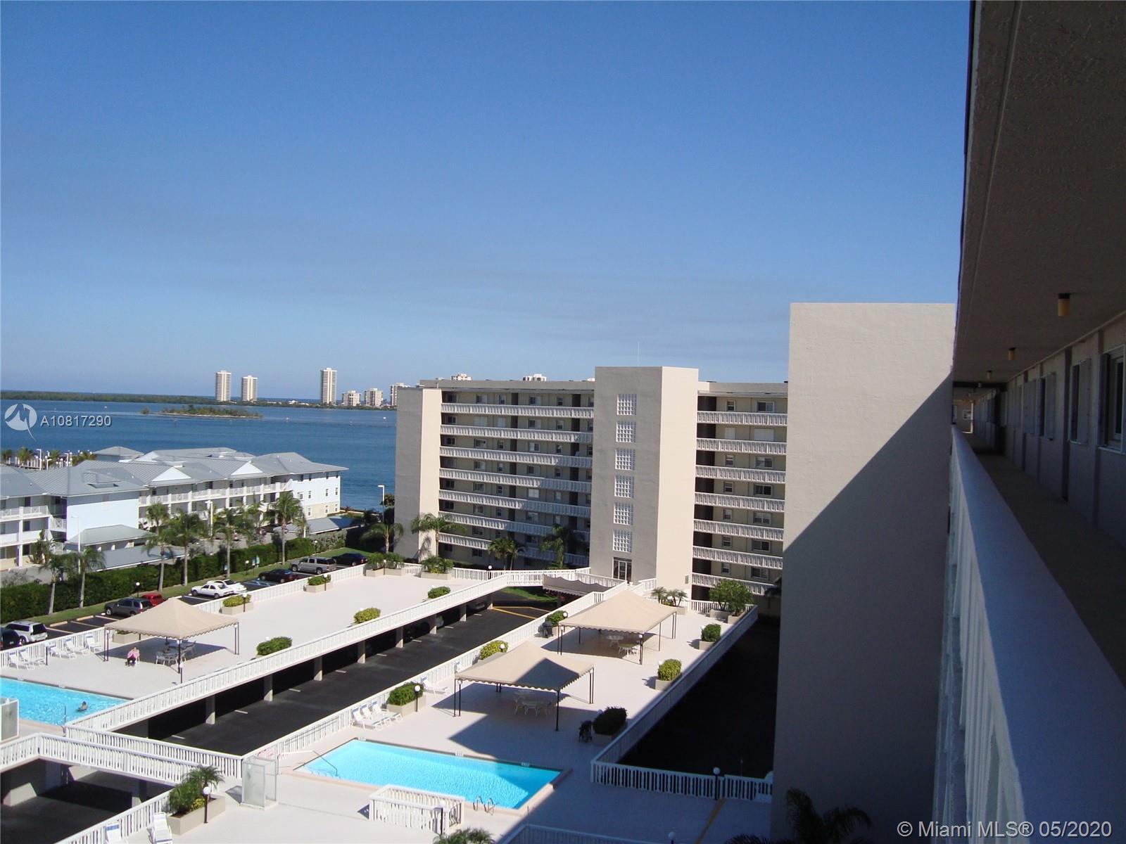801 Lake Shore Dr 416, Lake Park, FL 33403