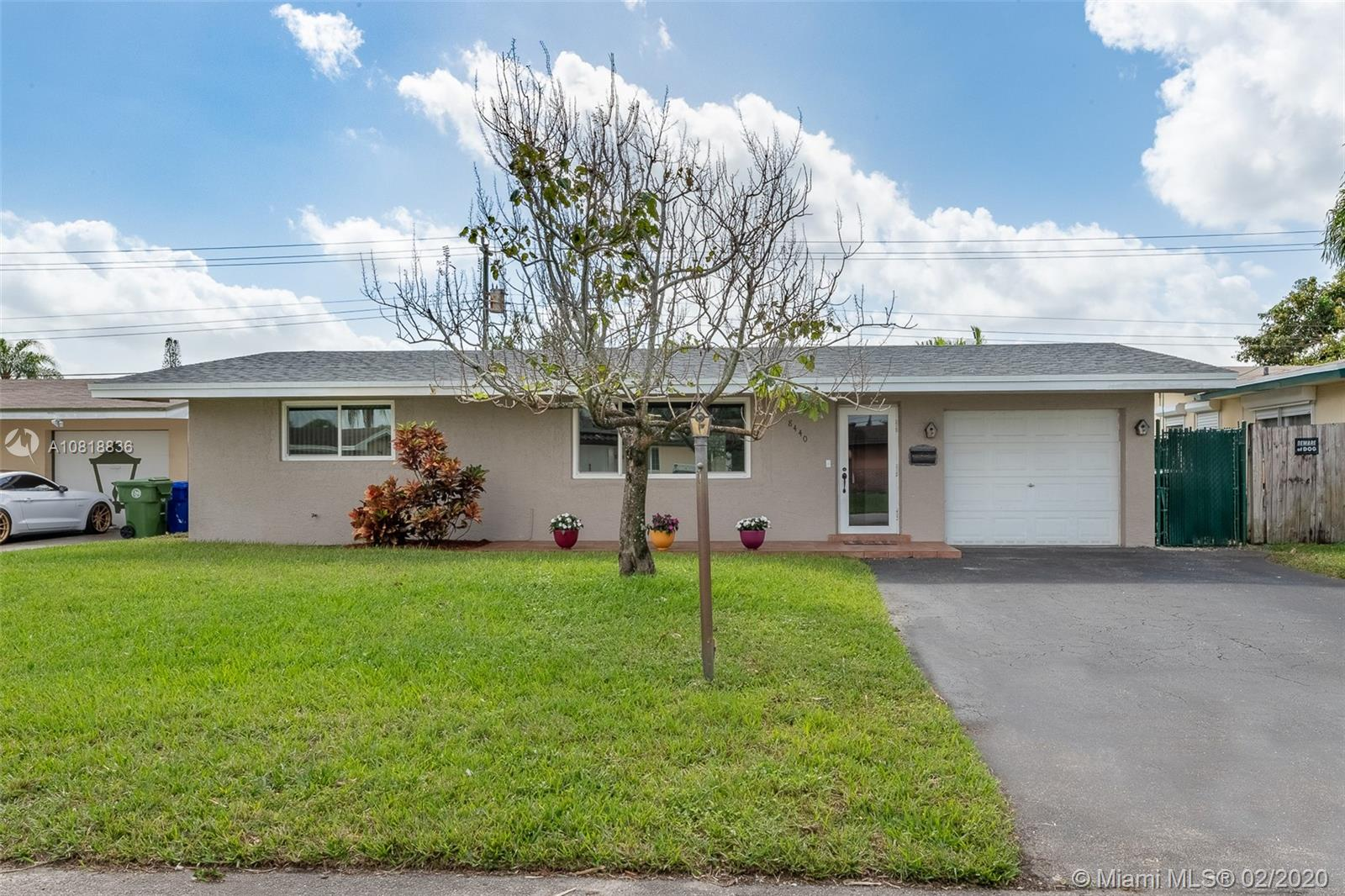 8440 NW 11th St  For Sale A10818836, FL