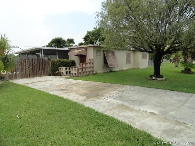 15375  Leisure Dr  For Sale A10818479, FL