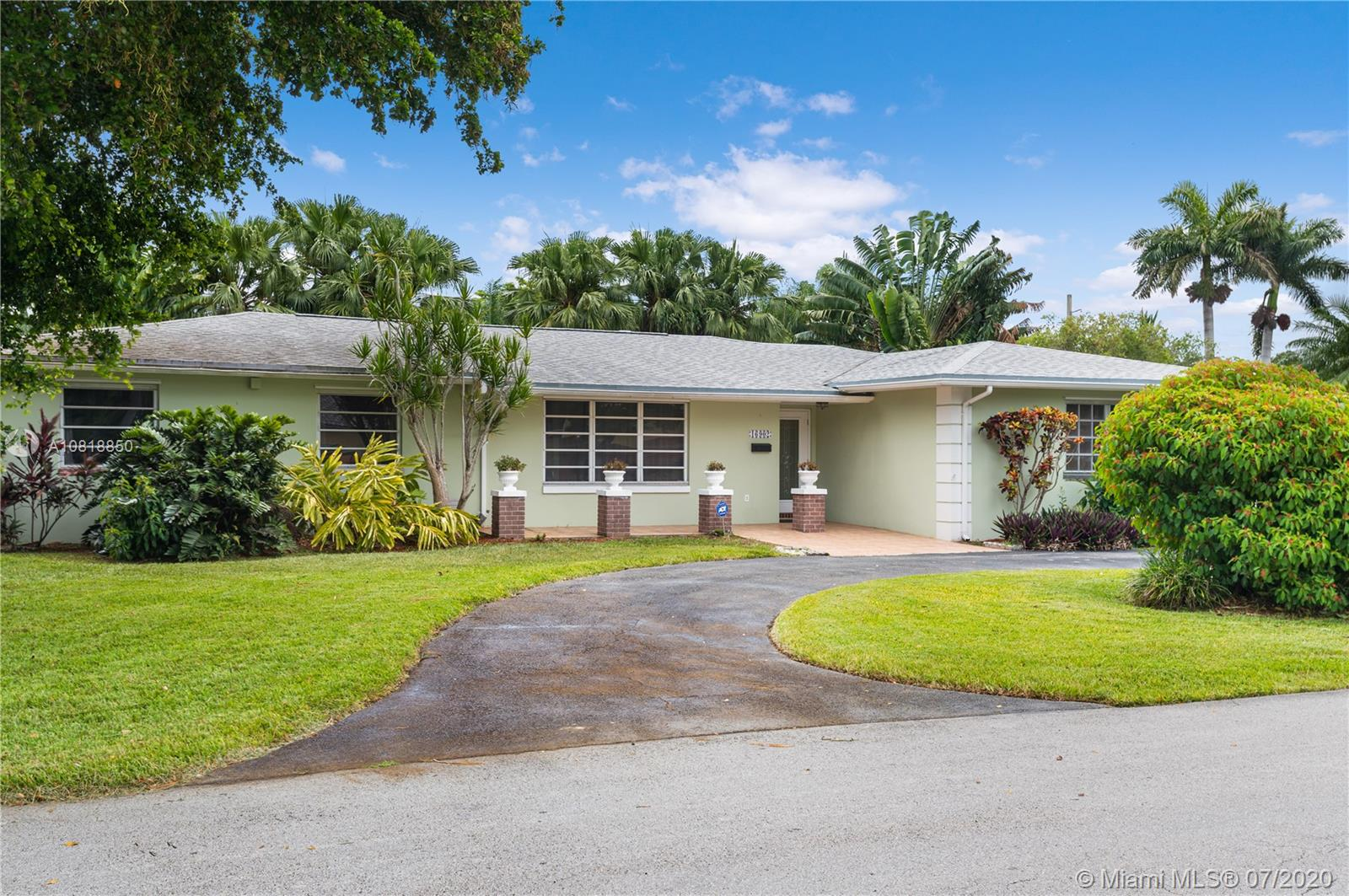 16902 SW 86th Ave  For Sale A10818850, FL