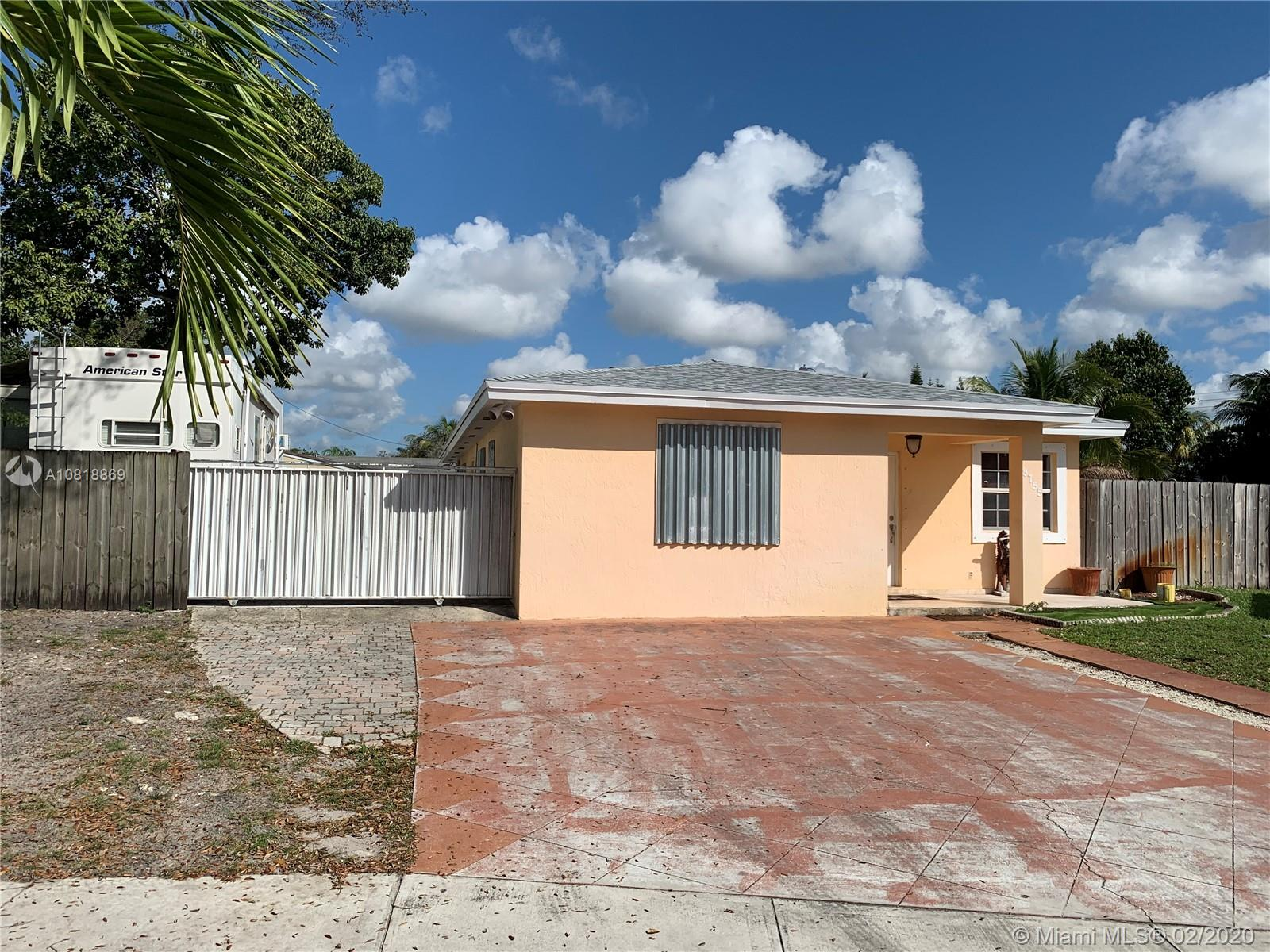 3755 NW 211th St, Miami Gardens, FL 33055