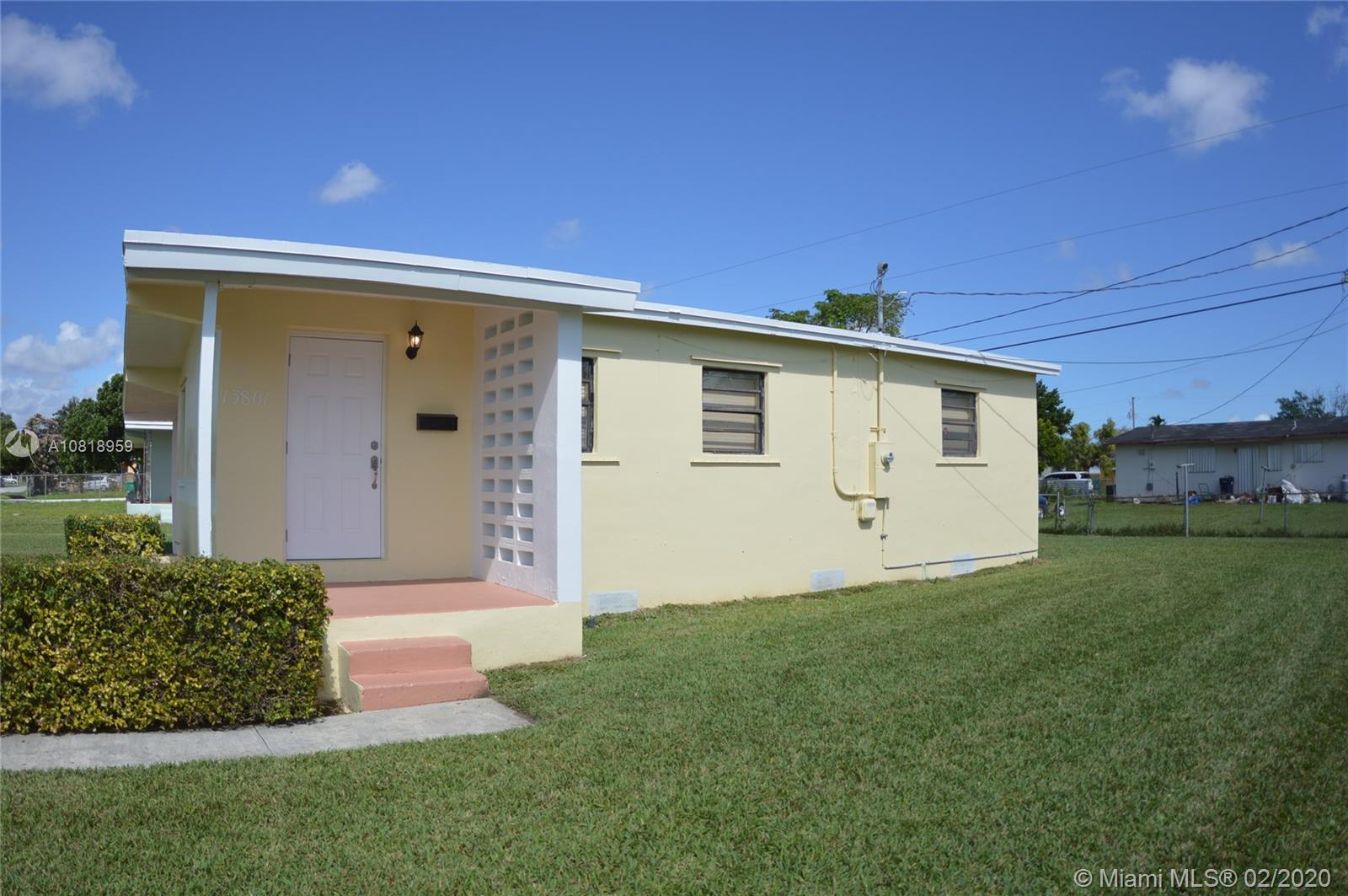 13801  Jackson St  For Sale A10818959, FL