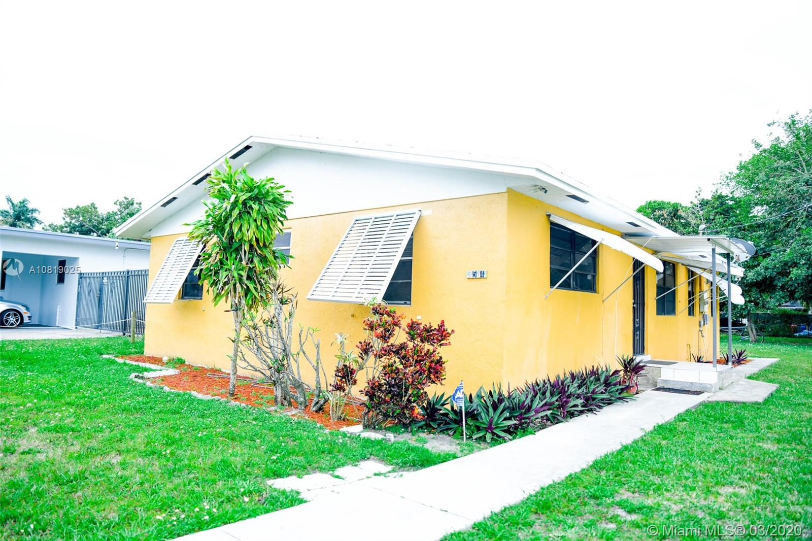 2514  Jackson St  For Sale A10819025, FL