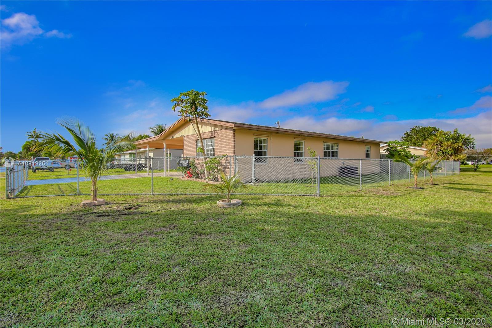 601 SW 28th Avenue  For Sale A10819251, FL