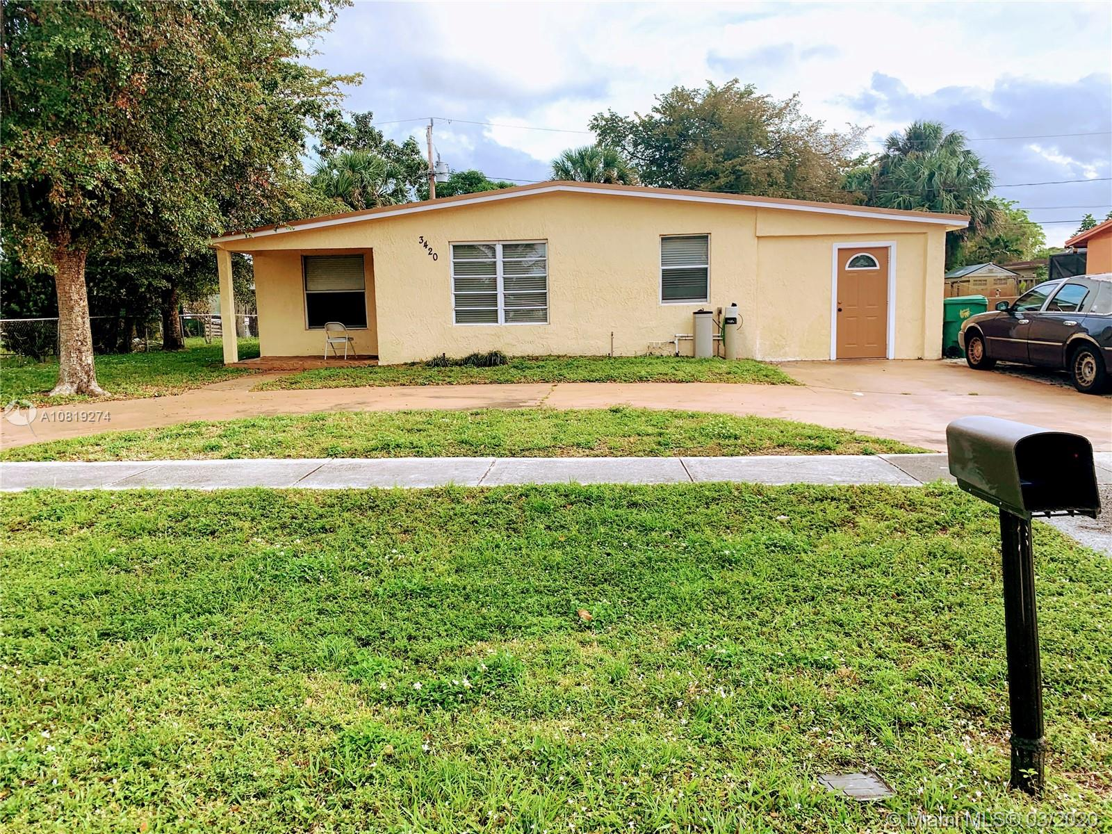 BEAUTIFUL  HOUSE TOTALLY RENOVATED 4 BED, 2.5  BATH.PRICED TO SELL QUICK!NEW AC, NEW KITCHEN, NEW FLOORS, OPEN LAY OUT, FAMILY ROOM, LIVING ROOM, DINING ROOM.