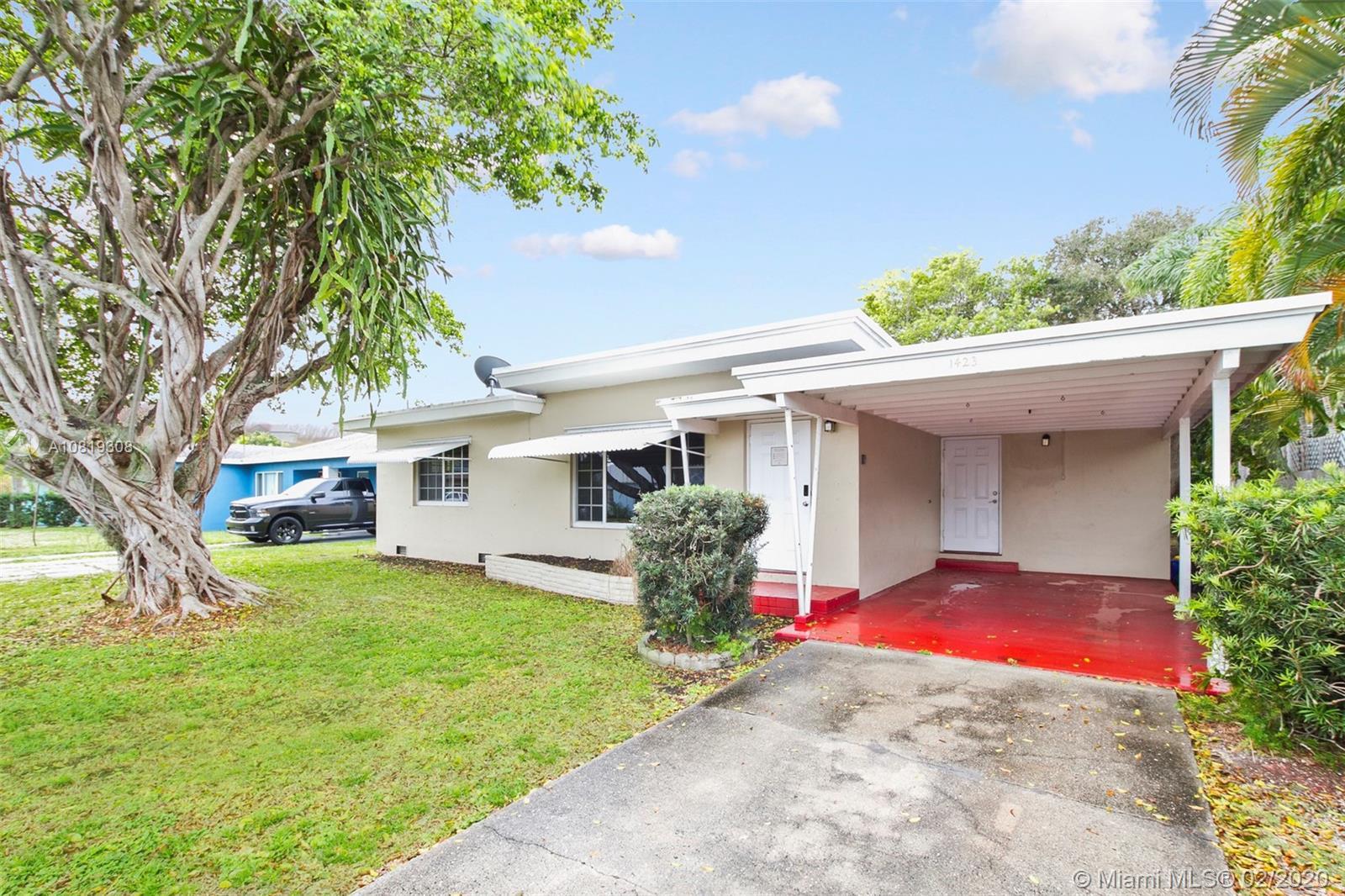 1423 N L St, Lake Worth, FL 33460