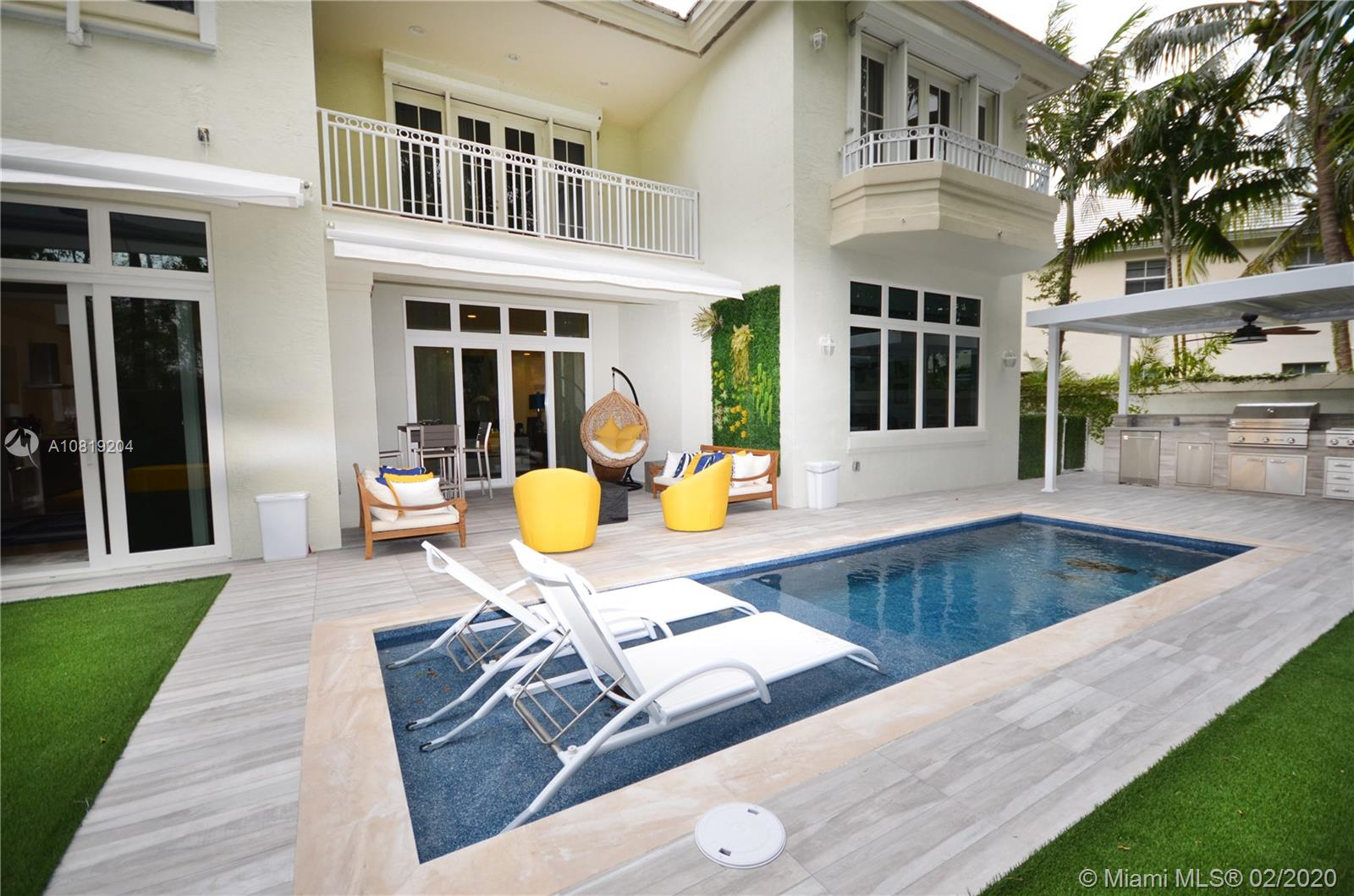 24  Grand Bay Estates Cir  For Sale A10819204, FL