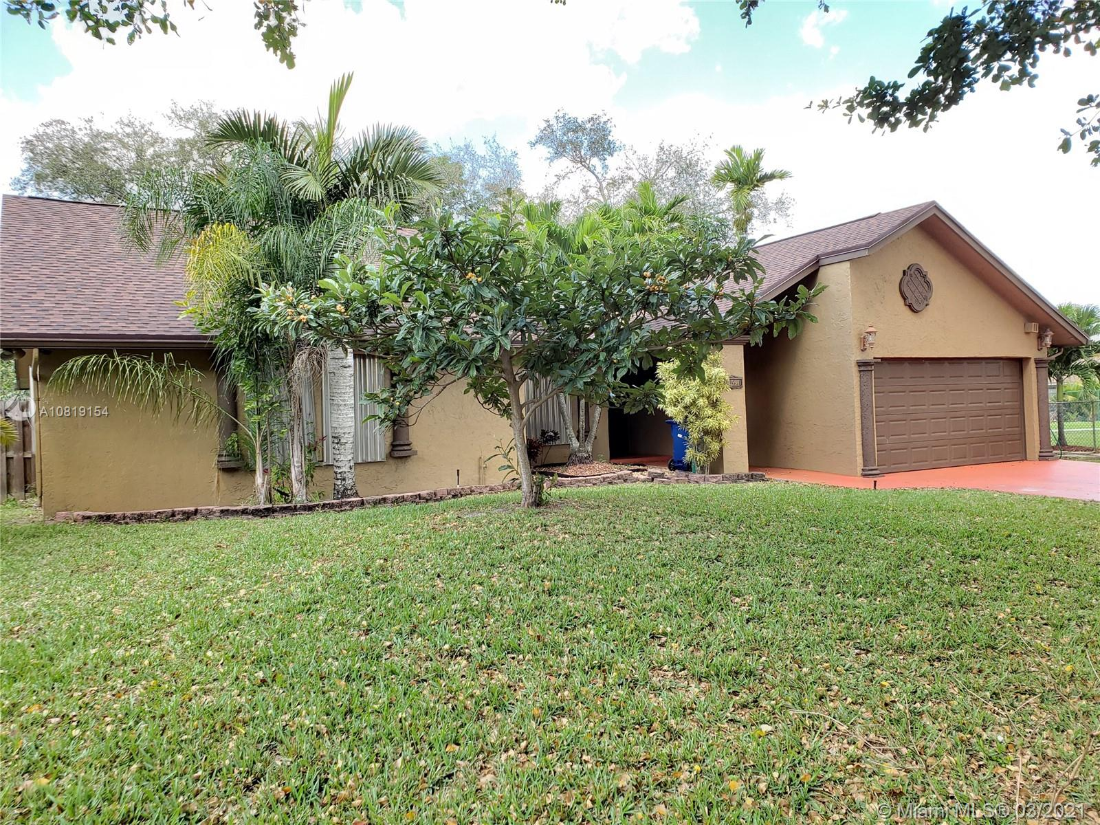 Spacious Single-family corner house 3 bed 2 bath 2 car garage with sparkling screened pool in THE ESTATES OF INVERRARY. Brand New roof Dec. 2018, AC & water heater 3 years old, entry foyer, formal dining room, sunken living room, dining area in kitchen with a view of the pool area and snack bar in kitchen, family room, living room, and master bedroom have french doors that lead to patio/pool area, great for entertaining, plus vaulted ceilings, accordion/panel shutter, walk-in closet, 14,127 SF lot, walk to kids playground. Great curve appeal near everything, close to turnpike, major roadways, markets, restaurants, movie theater. Your buyers will love this home, beautiful floor plan fit for the perfect family to enjoy, bring buyers ready for purchase. easy to show, Extended driveway,