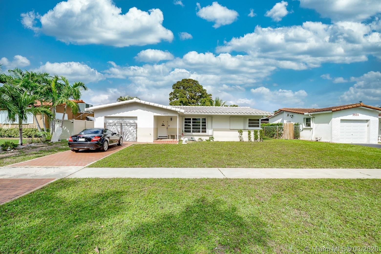 3601  Thomas St  For Sale A10818817, FL