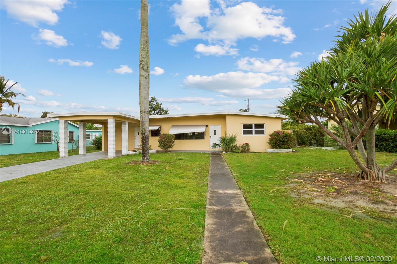 337 E Jasmine Dr, Lake Park, FL 33403