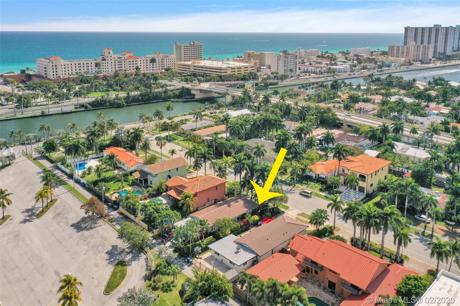 731  Tyler St  For Sale A10819892, FL