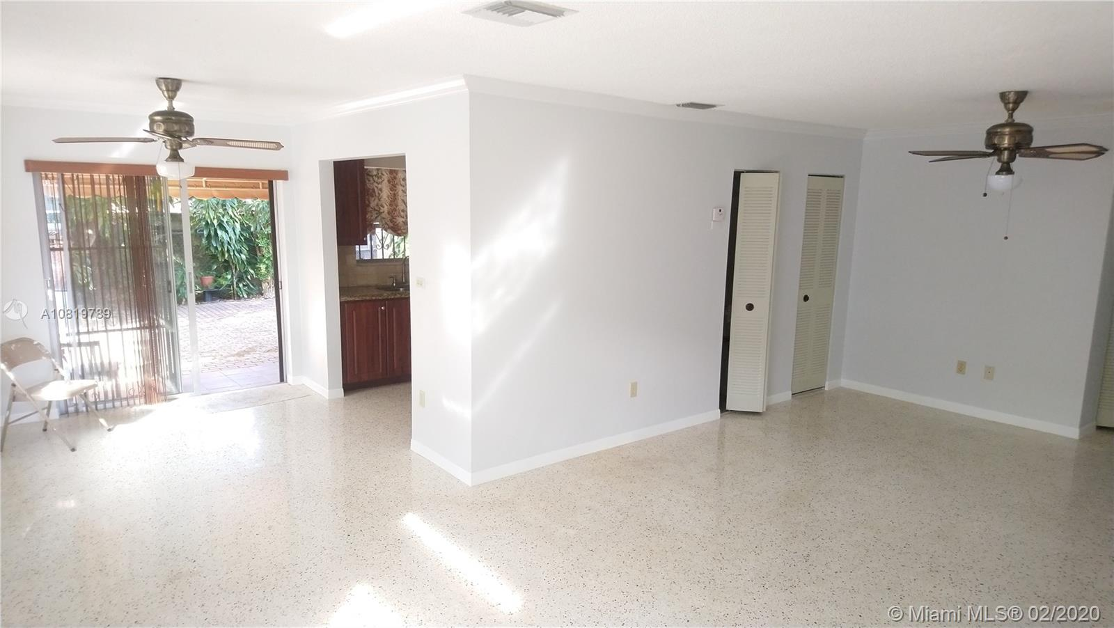 3225 SW 27th St #1 For Sale A10819789, FL