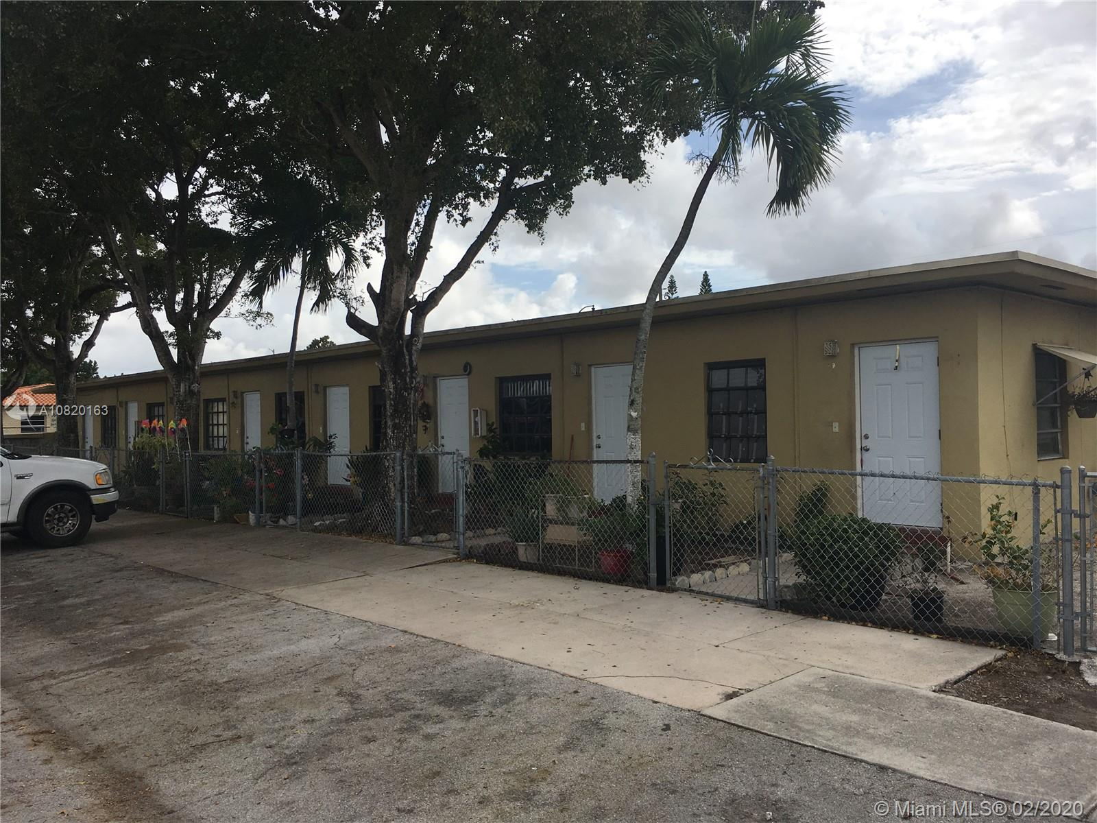 1082 Palm Ave, Hialeah, FL 33010