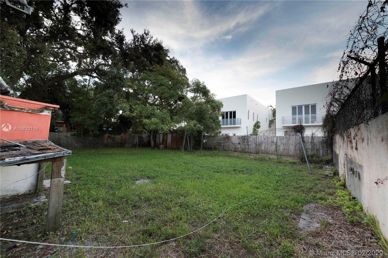 3064  Hibiscus St  For Sale A10820116, FL