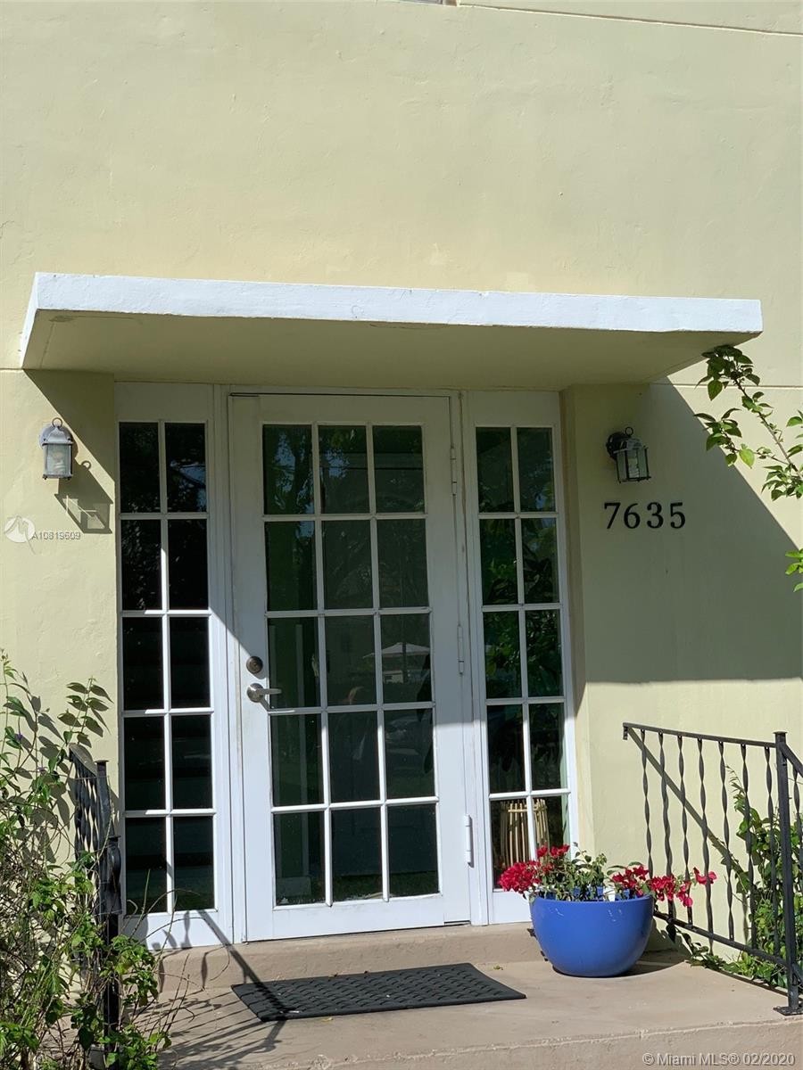 7635 SW 56th Ave #A For Sale A10819609, FL