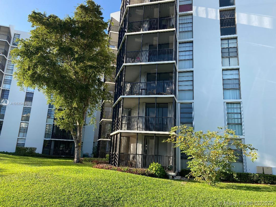 3475 N Country Club Dr #108 For Sale A10820414, FL