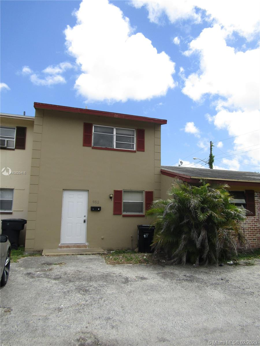 952 NW 24th Ave  For Sale A10820416, FL