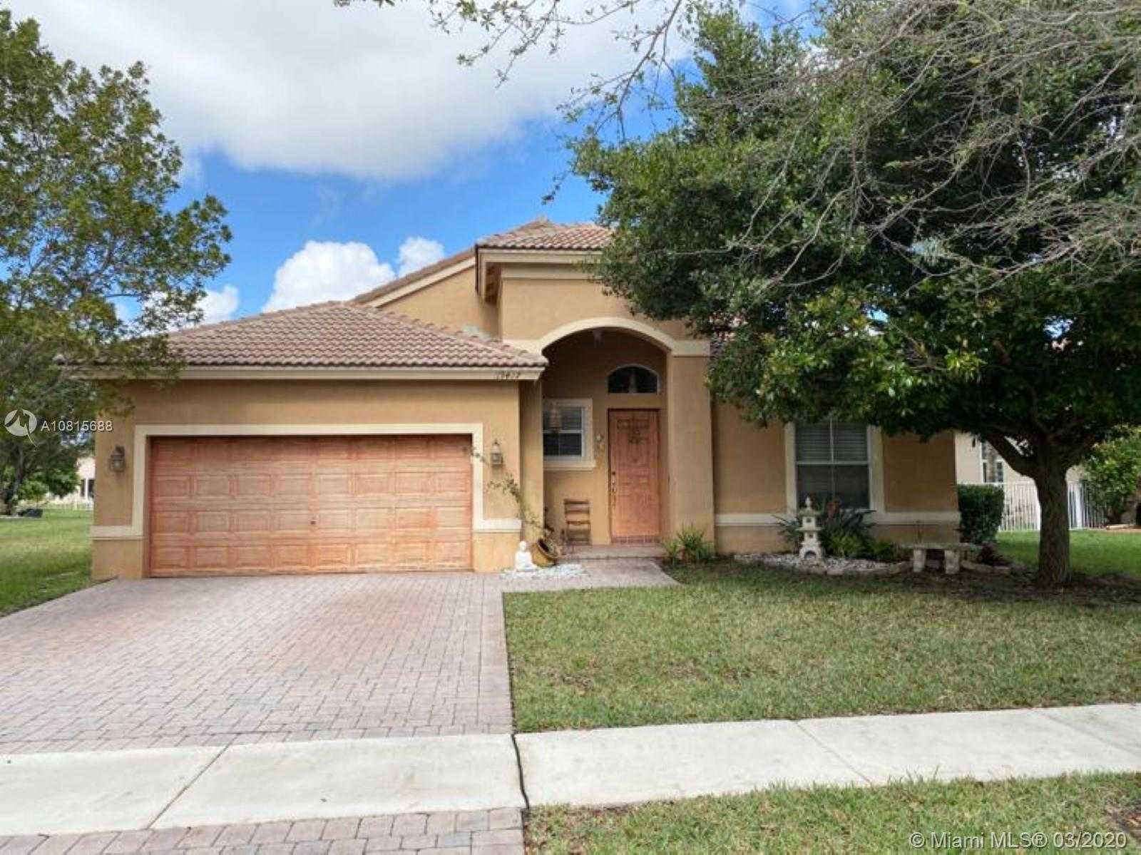19427 SW 27th St  For Sale A10815688, FL