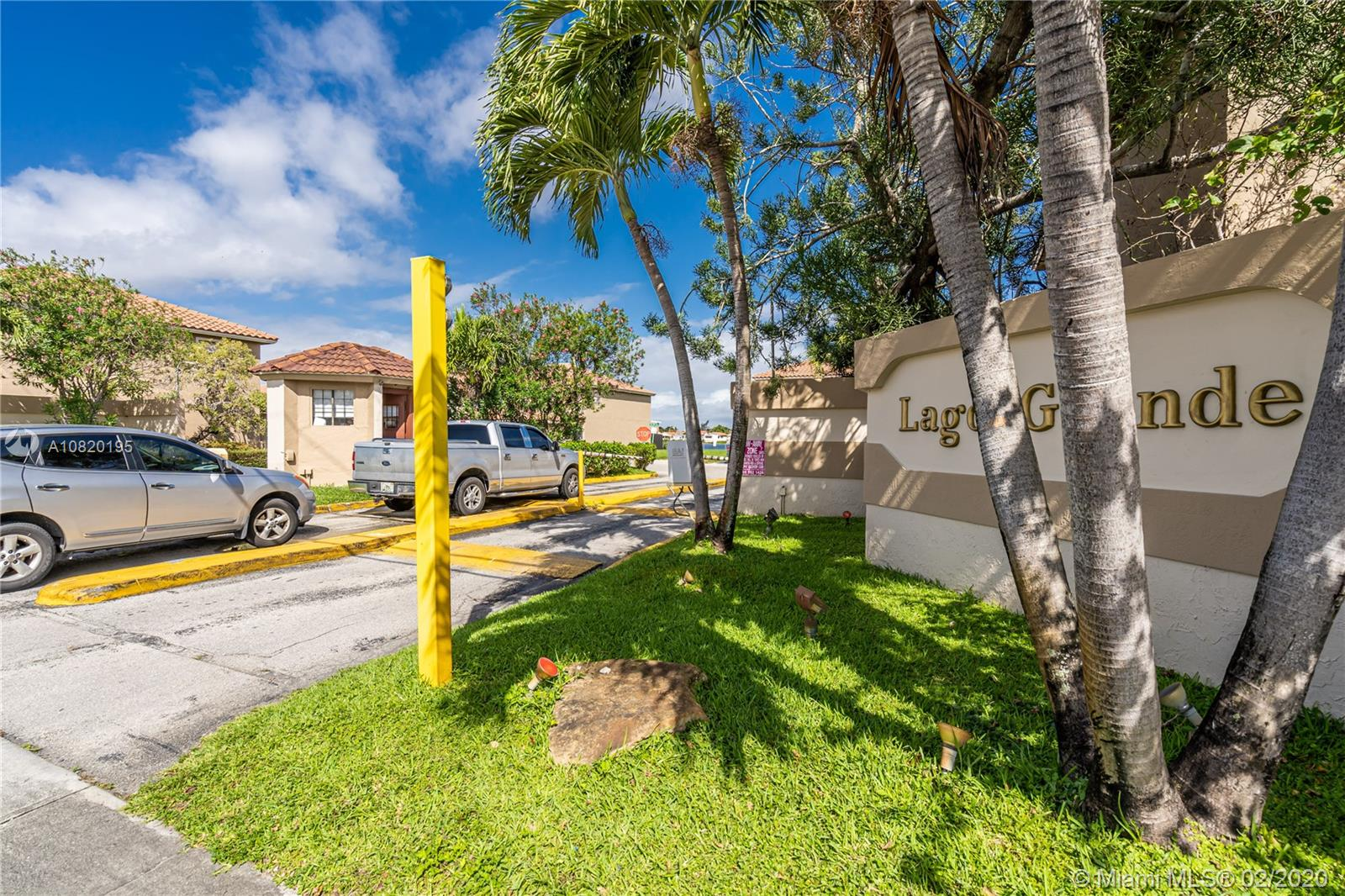 2550 W 60th Pl #104-19 For Sale A10820195, FL