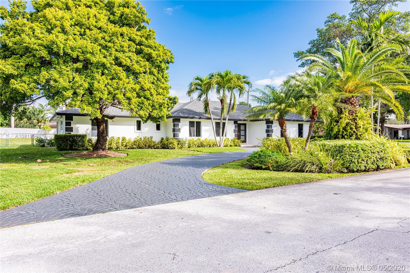 7705 SW 168th Ter  For Sale A10819966, FL