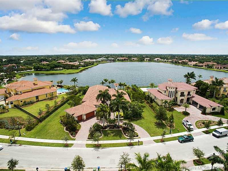 3204  Islewood Ave  For Sale A10820624, FL