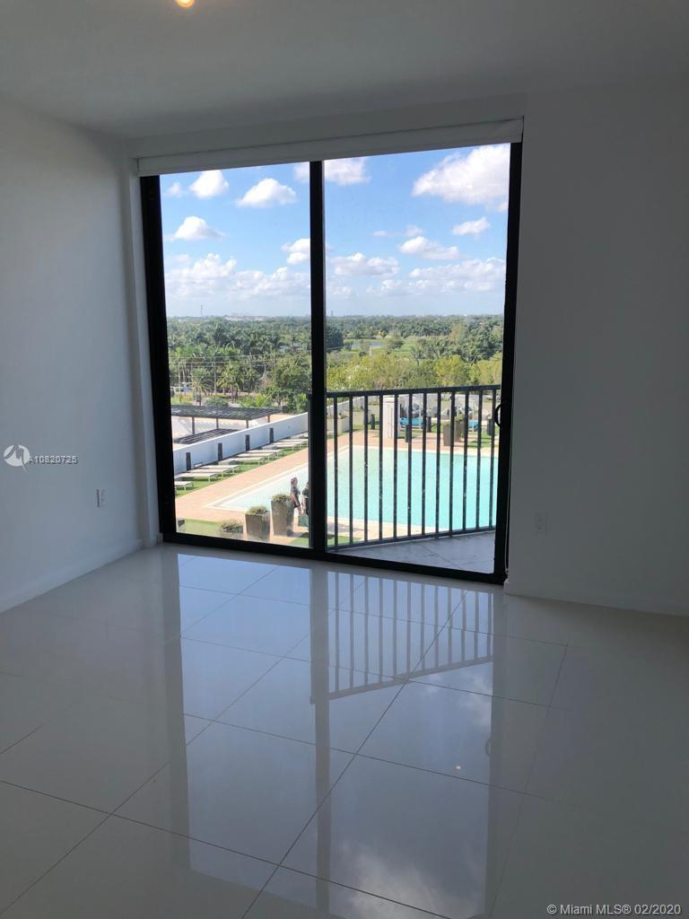 5300  Paseo Blvd #512 For Sale A10820725, FL