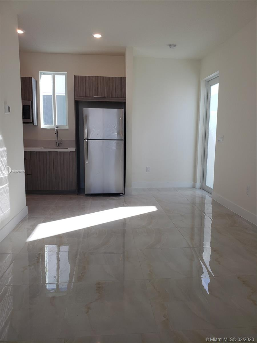 10269 NW 66th St #1 For Sale A10820832, FL