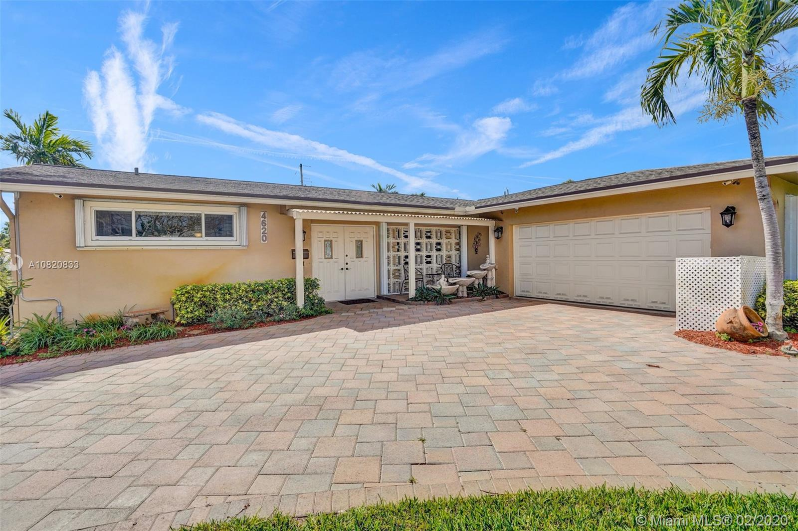 4620  Lincoln Street  For Sale A10820833, FL