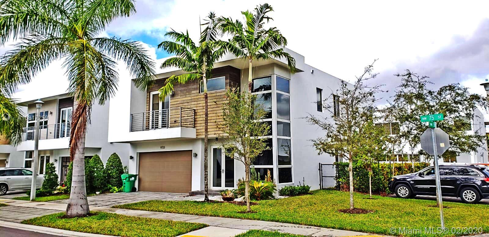 9723 NW 75th St  For Sale A10817259, FL