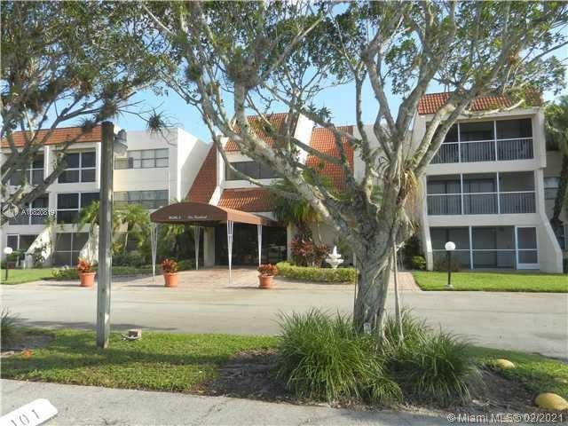 100  Lakeview Dr #319 For Sale A10820819, FL